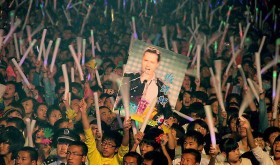 В Китае Витаса готовы носить на руках