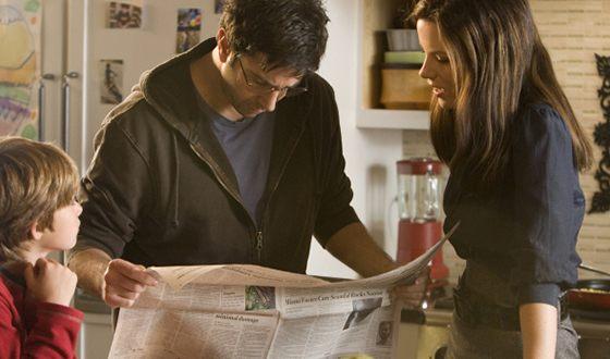 Дэвид Швиммер и Кейт Бекинсейл в триллере «Ничего, кроме правды»