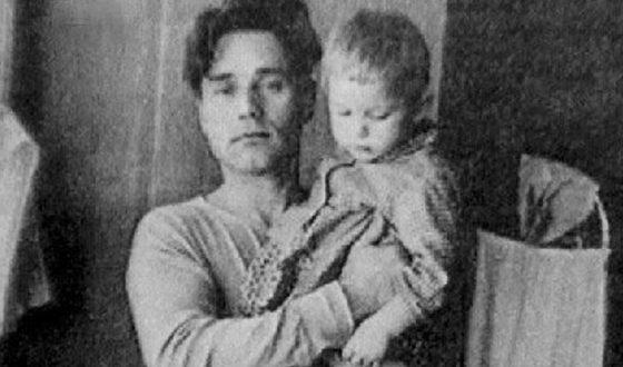 Ольга Машная в детстве с отцом