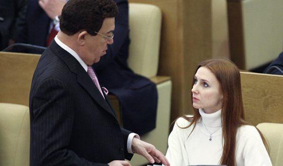 Иосиф Кобзон и Светлана Захарова во время работы в Государственной Думе