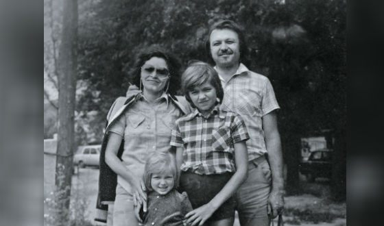 Семья Дмитрия Маликова: родители и младшая сестра