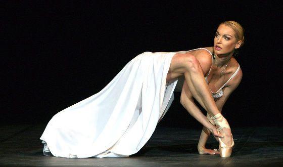 В 2003 году Волочкова ушла из Большого театра