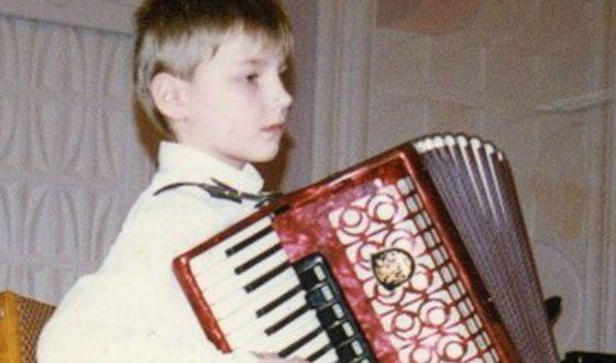 В детстве Алексей Воробьев играл на аккордеоне