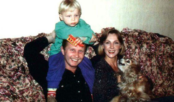 Елена Яковлева с мужем Валерием Шальных и сыном Денисом