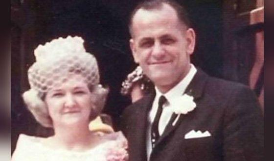 На фото: родители Джима Керри
