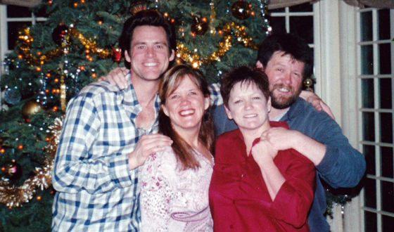 У Джима Керри есть две старшие сестры и старший брат