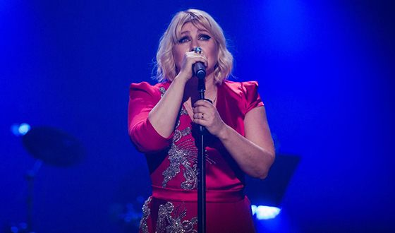 Ева Польна успешно продолжает сольную карьеру