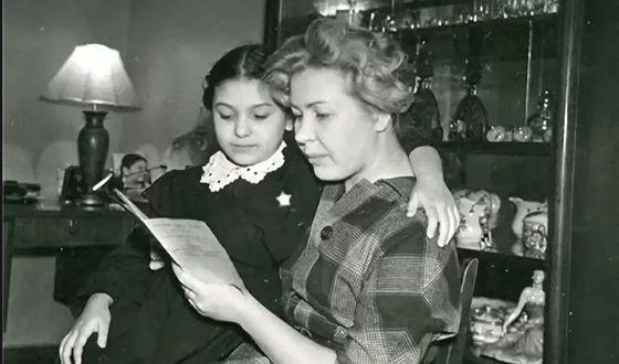 Наталья Бондарчук с мамой Инной Макаровой