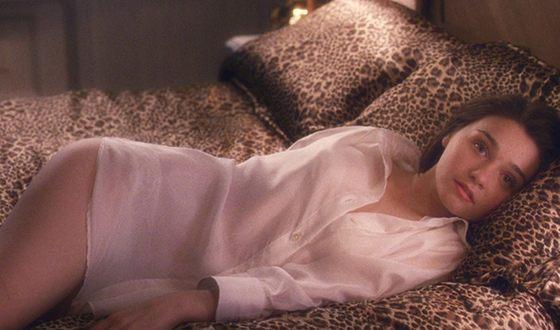 В 2010 году Барден сыграла одну из ролей в комедии «Неотразимая Тамара»