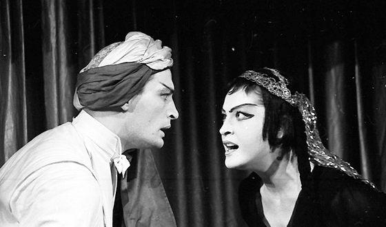 Василий Лановой на сцене театра имени Вахтангова в постановке «Принцесса Турандот»