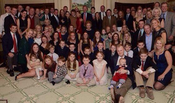 Кейт Мара и ее многочисленная родня