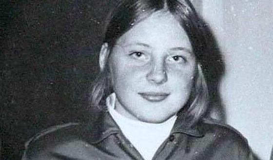 Ангела Меркель в школе была пионеркой