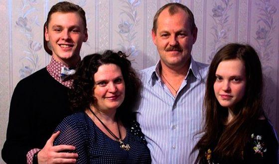 Никита Еленев и его семья