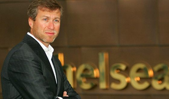 В 2003 году Роман Аркадьевич стал владельцем футбольного клуба «Челси»