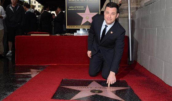 Джимми Киммел был удостоен именной звезды на «Аллее славы» Голливуда
