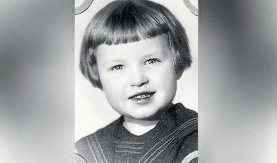 Патриарх Кирилл (Владимир Гунядев) в детстве