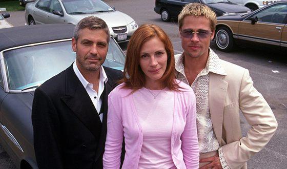 Джордж Клуни, Брэд Питт и Джулия Робертс на съемках фильма «Одиннадцать друзей Оушена»