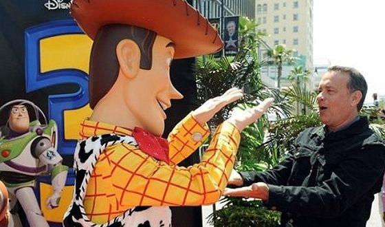 В «Истории игрушек-3» Том Хэнкс озвучивал шерифа Вуди