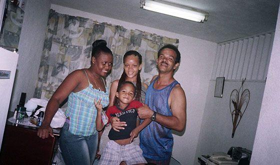 Рианна и ее семья