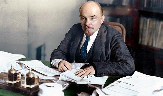 На фото: Владимир Ильич Ульянов (Ленин)