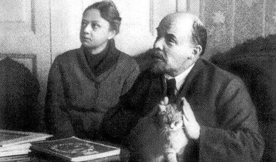 Владимир Ленин с женой Надеждой Крупской