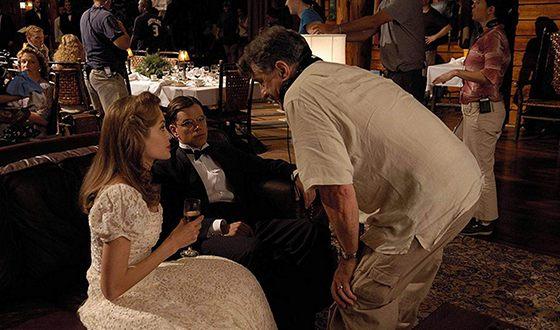 Роберт Де Ниро, Мэтт Дэймон и Анджелина Джоли на съемках картины «Ложное искушение»