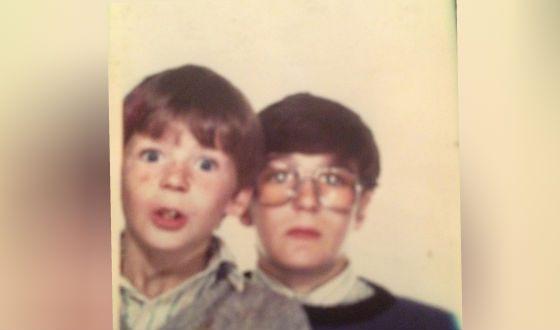 Пол Андерсон в детстве (на фото: со старшим братом)