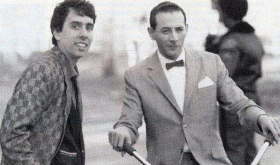 Тим Бёртон и Пол Рубенс на съемках фильма «Большое приключение Пи-Ви»