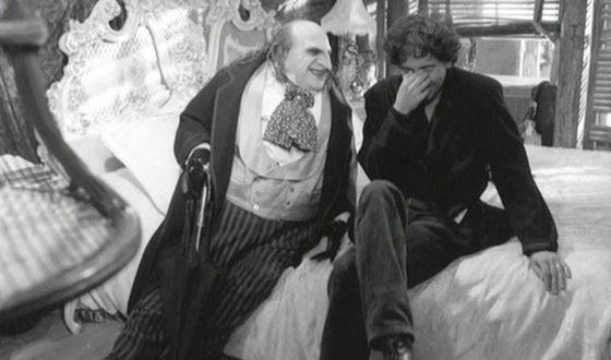 Тим Бёртон и Дэнни Де Вито на съемках фильма «Бэтмен возвращается»