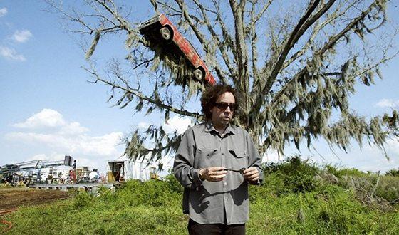 Тим Бёртон на съемках фильма «Крупная рыба»