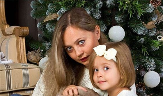 Мама и сестра Вероники Корниенко