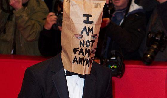 Актёр также знаменит скандалами и перфомансами