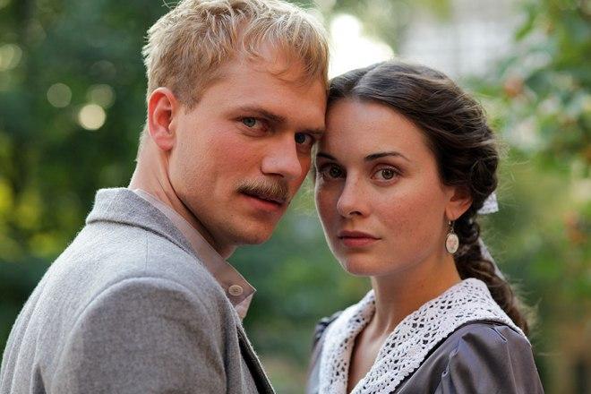 Вячеслав Дробинков и Екатерина Олькина на съемках сериала
