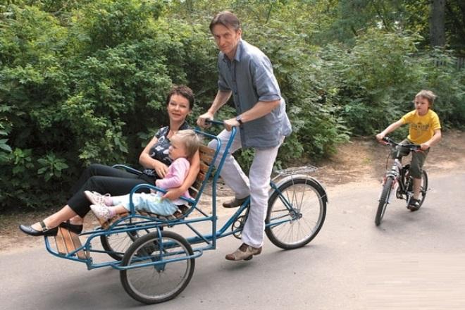 Александр Яцко и Елена Валюшкина с детьми