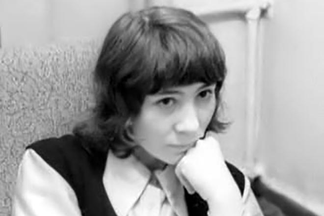 Елена Камбурова в юности
