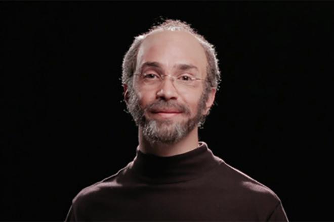 Джастин Лонг в роли Стива Джобса