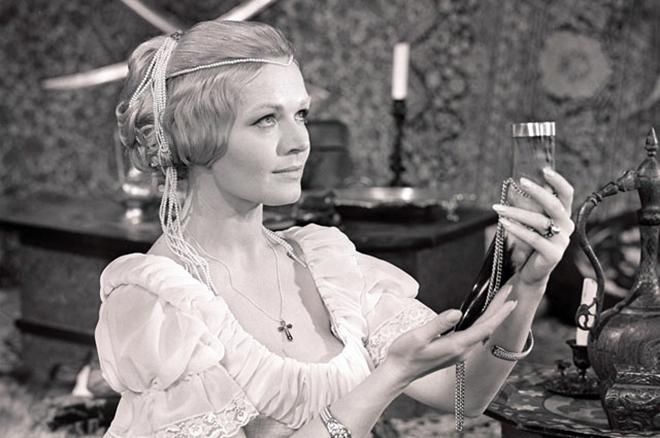 Людмила Чурсина в спектакле «Ричард III»