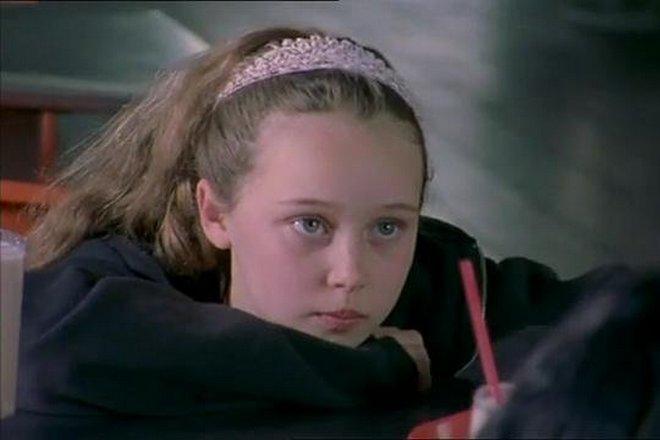 Алисия Дебнем-Кэри в детстве