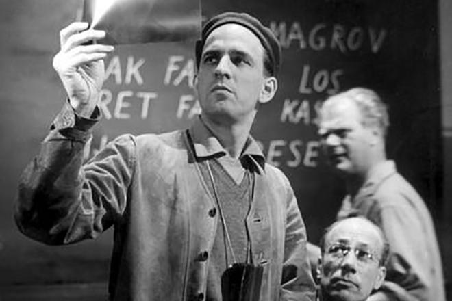 Ингмар Бергман на съемках фильма «Земляничная поляна»