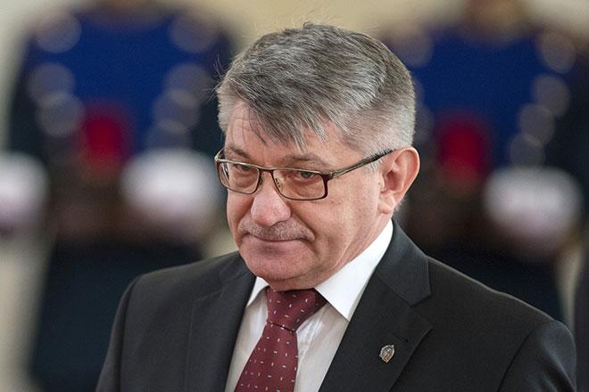 Александр Сокуров не женат