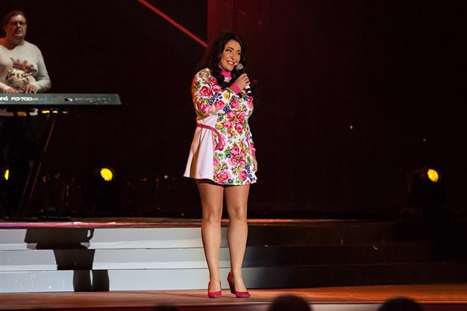 Лолита Милявская на сцене
