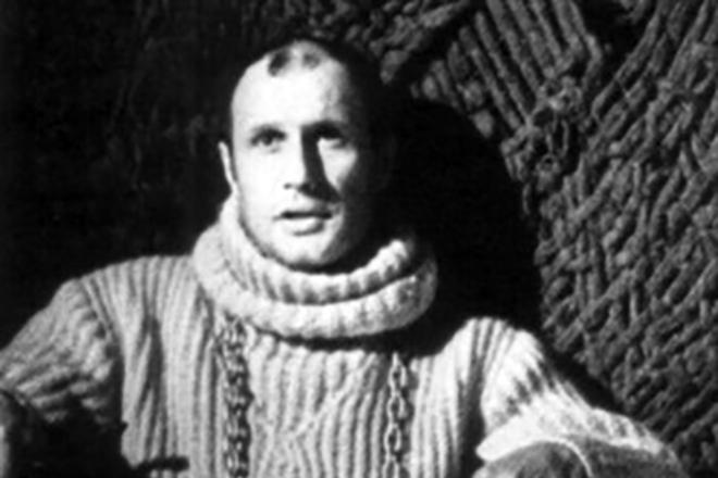 Александр Пороховщиков в спектакле