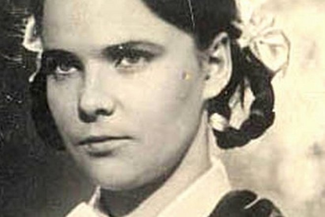 Нина Иванова в юности