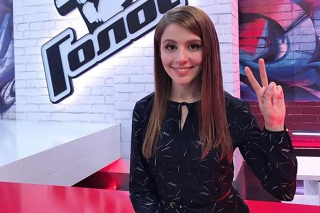 Лора Горбунова в шоу