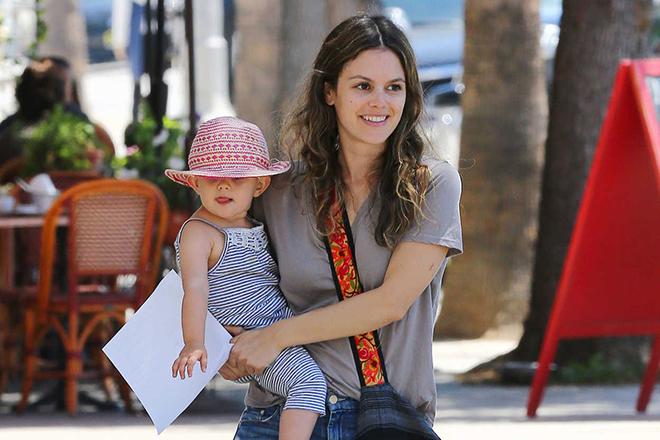Рэйчел Билсон с дочерью