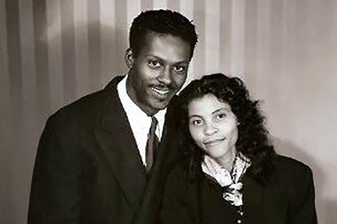 Чак Берри с женой в молодости