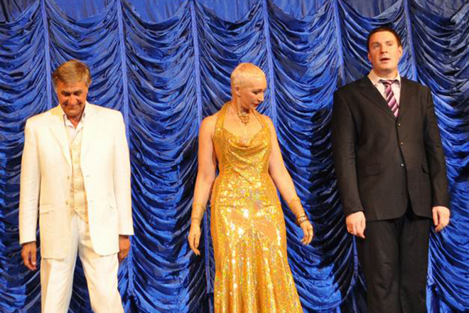 Филипп Васильев на одной сцене с родителями