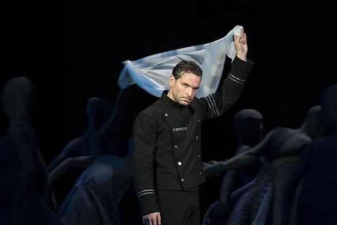 Виктор Добронравов в театре