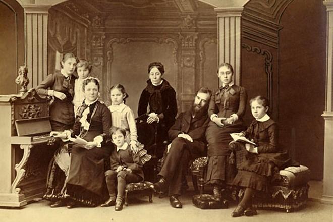 Павел Третьяков с семьей