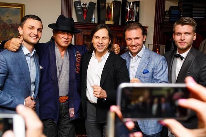 Антонио Паласиос-Фернандес со знаменитыми клиентами